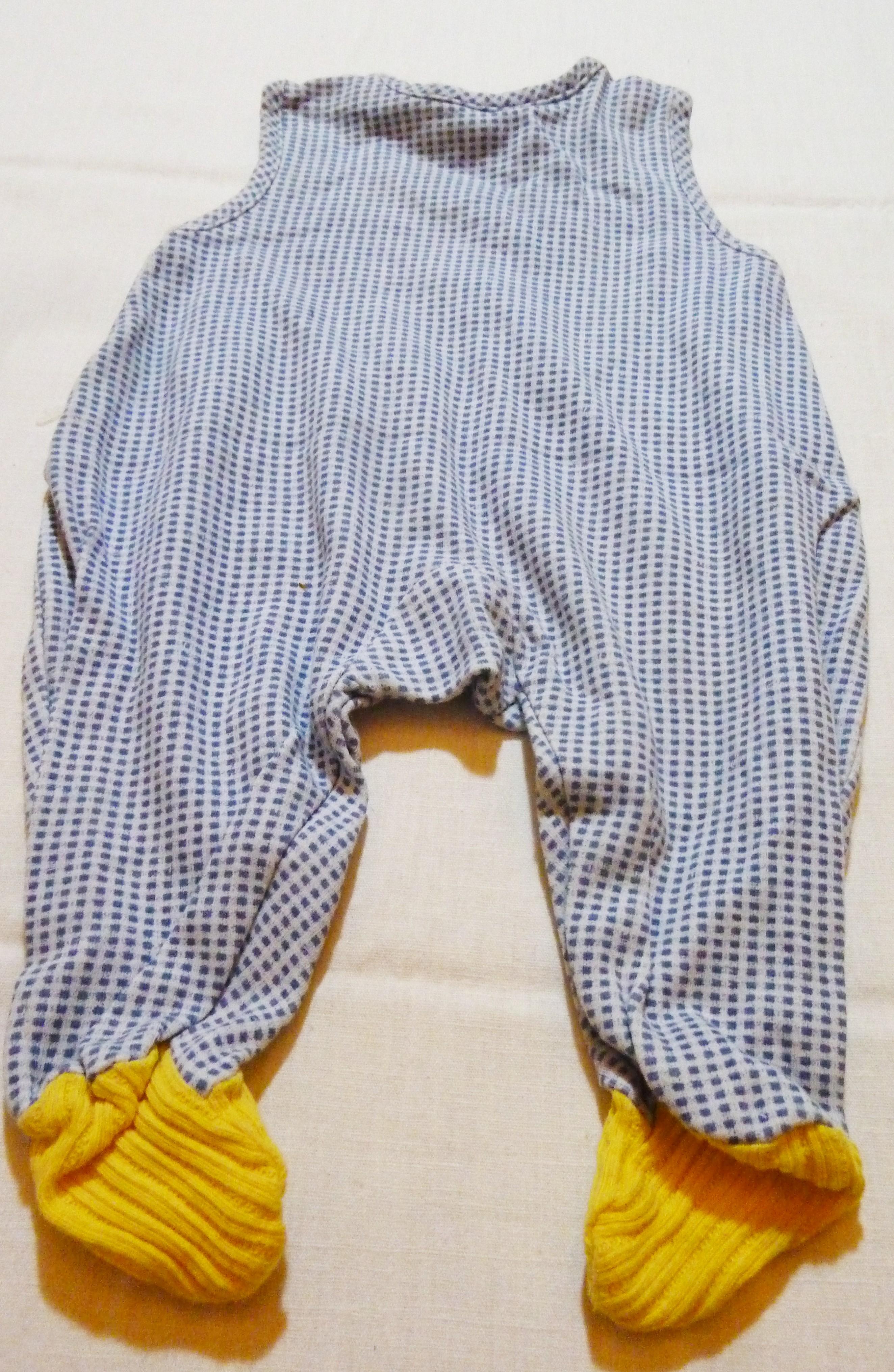 geschenk fanartikel second hand online store reusbetter strampler jungen blau gelb karo. Black Bedroom Furniture Sets. Home Design Ideas